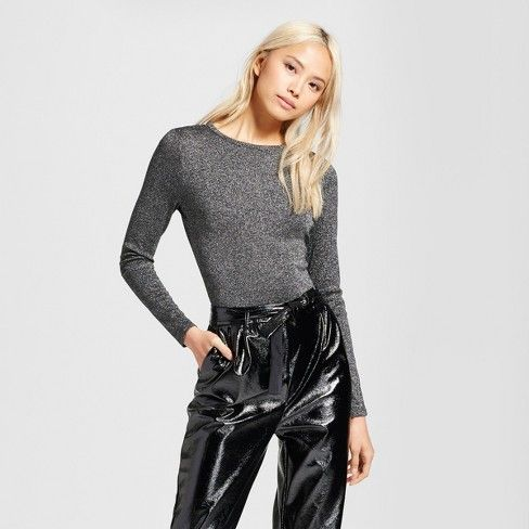 A flattering, seamless look with on-trend shine, the Metallic Rib Bodysuit - Who What Wear™ is impeccable paired with everything from high-waisted work trousers to your shredded jeans. A hint of shine keeps things playful, while the soft-knit material lets you breathe and move.