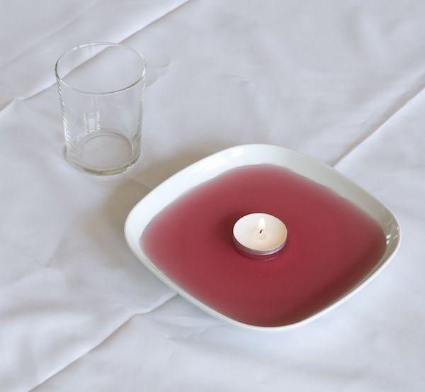 Proefje: Een kaarsje onder een glas in een beetje water (of limonade)