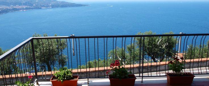 villetta con giardino e incantevole panorama sul mare