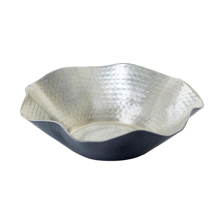 Διακοσμητικό μπωλ αλουμινίου σε ασημί χρώμα. Ένα διαχρονικό κομμάτι που προσαρμόζεται τέλεια σε κάθε στυλ διακόσμησης.