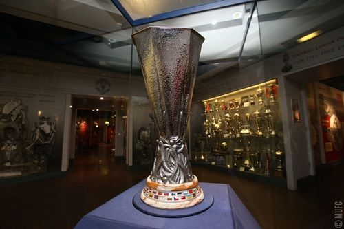 Gallery: UEFA Europa League trophy on display at Old Trafford - Official Manchester United Website