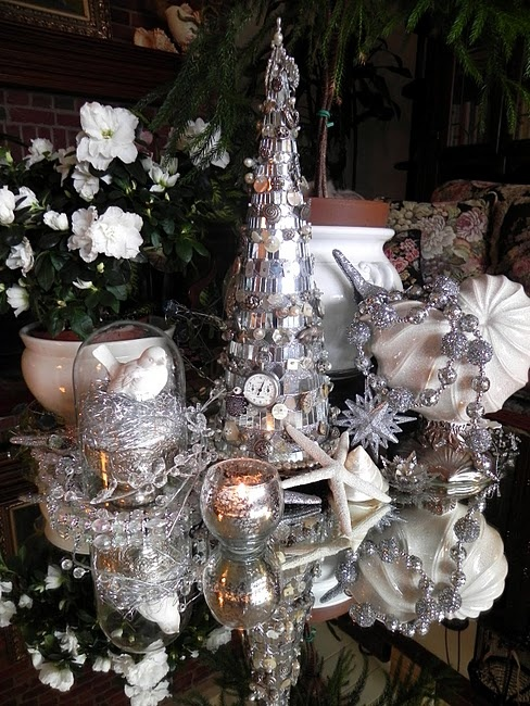White Christmas Tablescape