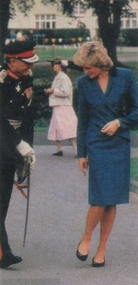 1987-09-22 Diana at the Lingfield Hospital School for Epileptic Children in Tandridge, Surrey