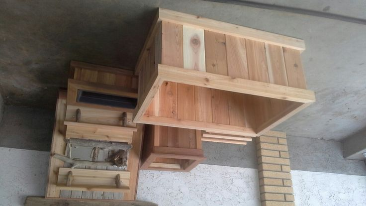 Cedar planter 2'×3'.