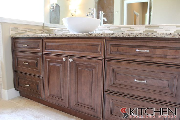 This bathroom uses our bristol rta cabinets in maple for Bristol chocolate kitchen cabinets