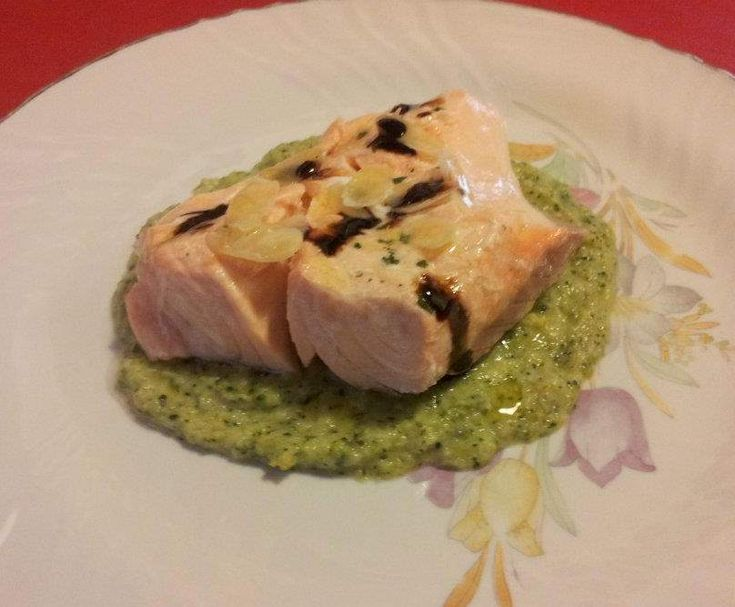 Filetto di salmone con crema di broccoli by lucabottazzi on www.ricettario-bimby.it