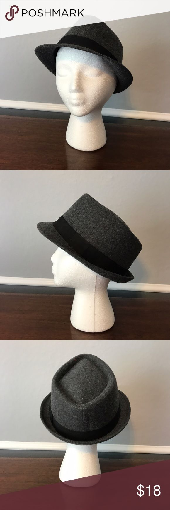 Gray and black fedora In perfect condition gray and black fedora. Size medium/large. No brand label Accessories Hats