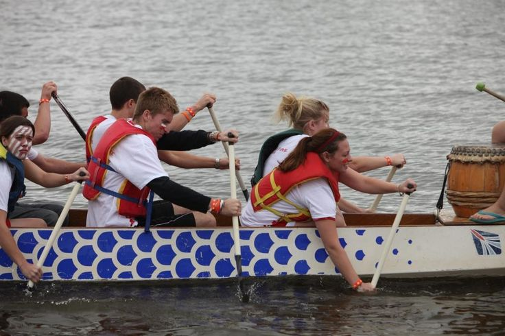 The Oshkosh Community Dragonboat Race and Festival is a free family festival held in late September with canoe-like boat races, live music, arts and crafts and so much more!