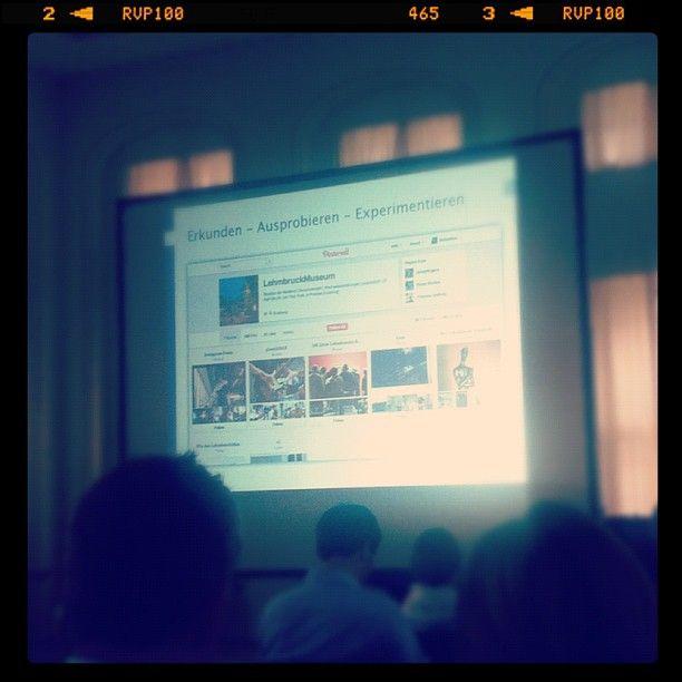 Unsere Pinterest-Wall als Best-Practice-Beispiel im Vortrag von @MuseumsHeld. :-) #maitagung