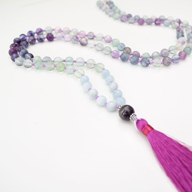 Our fave mala this week. #fluorite healing properties: protection, intuition, balance. 📿✌🏻