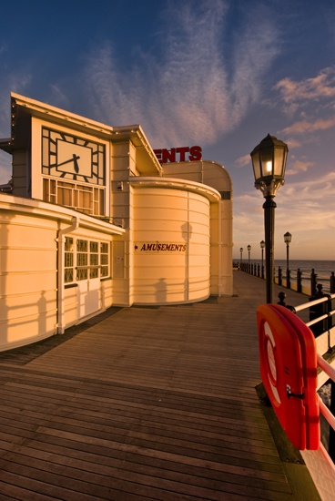 Worthing's Art Deco  pier