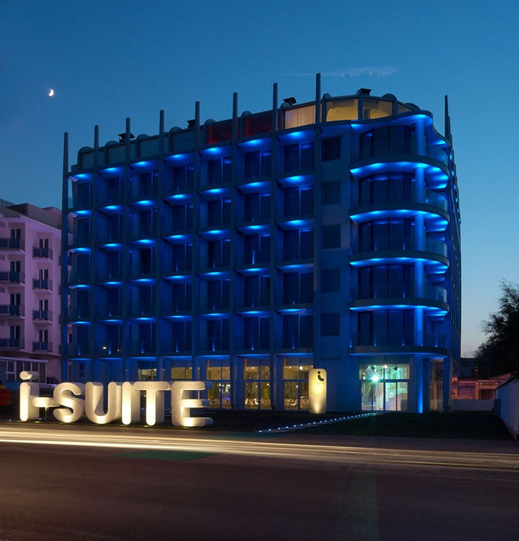 If Its Hip, Its Here: The iSuite - A Funky Modern All Suite Hotel and Stunning Spa In Rimini, Italy