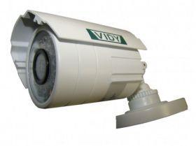 Camera supraveghere de exterior Vidy V-IRAON tip all-in-one cu rezolutie inalta de 600 linii TV, lentila fixa, sensibilitate ridicata (pentru mediu cu iluminare redusa). V-IRAON are incorporat un iluminator automat cu leduri infrarosii incorporate ce permit sa vizualizati imagini LIVE pe timp de noapte pe o distanta de pana la 20 m. Gradul de protectie al carcasei este IP66 (carcasa rezistenta la intemperii pentru o instalare usoara in exterior).
