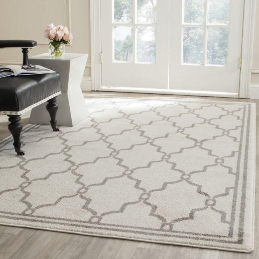 Safavieh Amherst Collection AMT414K Indoor/Outdoor Area Rug, 4-Feet by 6-Feet, Ivory and Grey