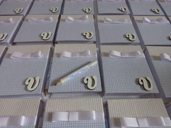 Lindos Bloquinhos de Anotações. Acompanha embalagem de celofane com Tags de agradecimento.. NÃO ACOMPANHA MENSAGEM CONTRA CAPA,INICIAL E MINI LÁPIS  SACOLINHAS APARTE CUSTA R$ 3,00 CADA  PARA MAIORES INFORMAÇÕES ENTRE EM CONTATO  Temos as caixas para acomodar as lembranças peça já seu orçamento :)   pedido minimo de 15 unidades R$ 8,00