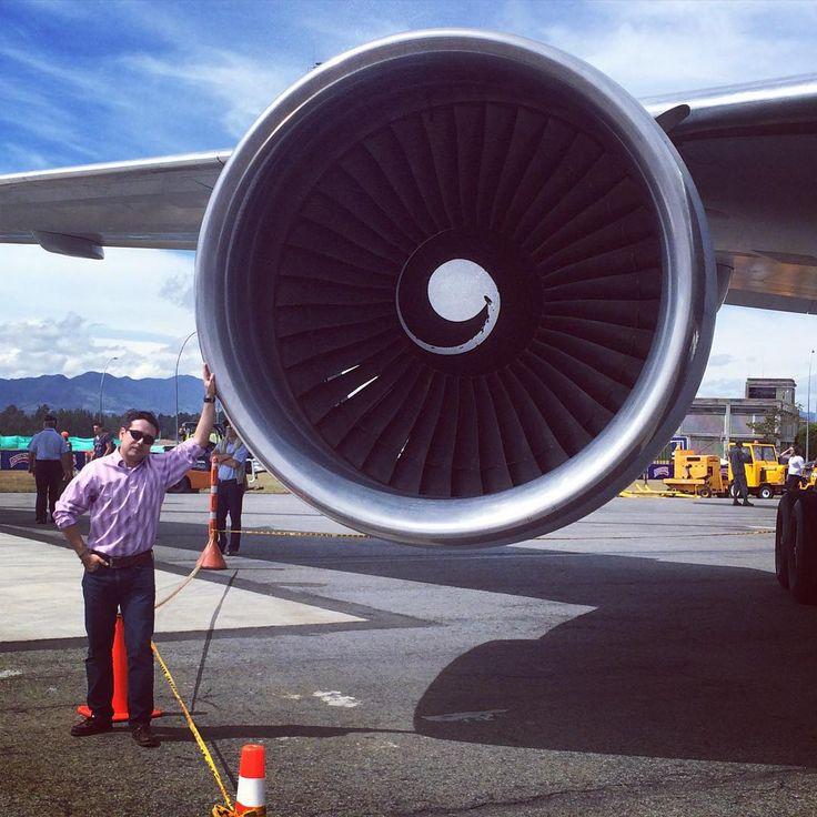 Al lado de este monstruo. #TurboFan #TurboFanEngine #FeriaAerea #RioNegro #JoseMariaCordoba #Airport #Boing #Boing767 #Fair2015
