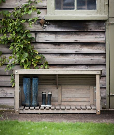Our wooden outdoor shoe store is a great idea for popping by the front or back door to store muddy wellies and walking boots.