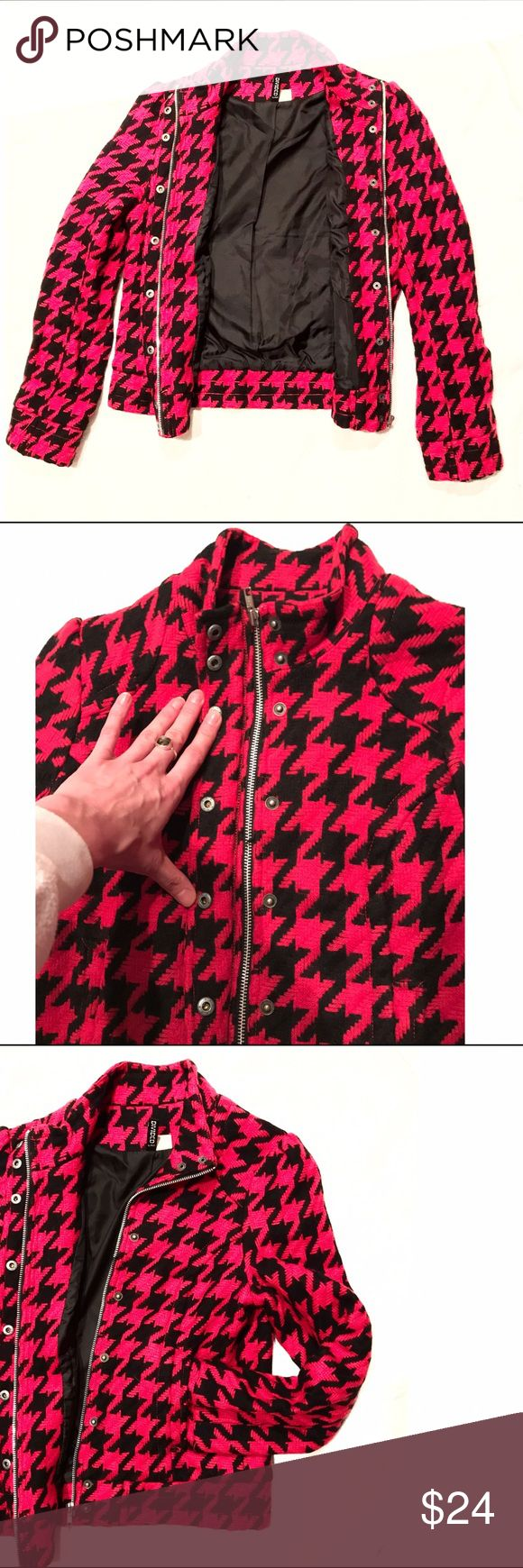 H&M Red and Black Houndstooth Jacket Sz. Med H&M Red and Black Houndstooth Jacket Sz. Med. Fun jacket, great condition. Warm too :) H&M Jackets & Coats