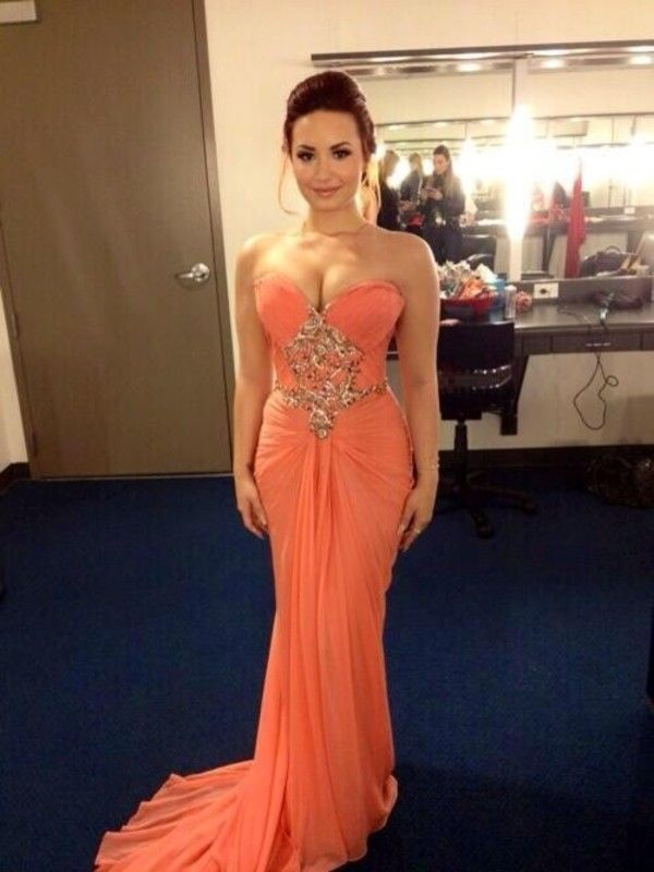 Dress: prom long prom demi lovato peach es salmon pink long prom es elegant gold details