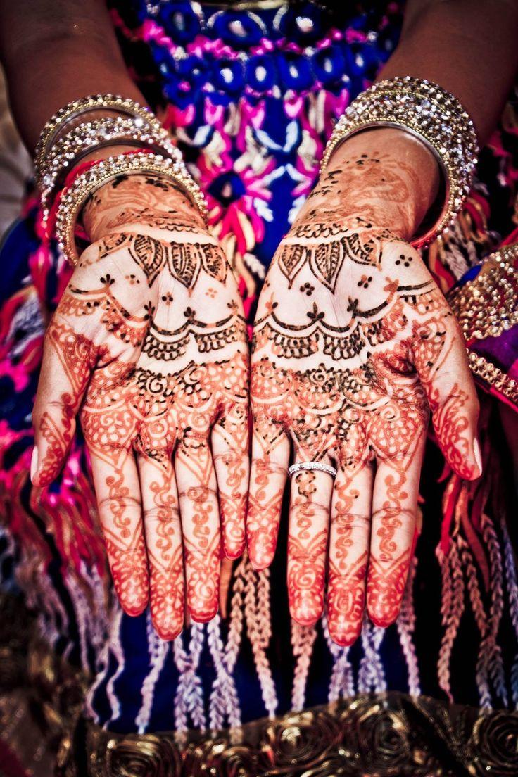 Indian wedding, hindu wedding, bridal lehenga, wedding lehenga, jodha Akbar, royal indian wedding, hindu bride, indian bride, mehendi, Sangeet, henna