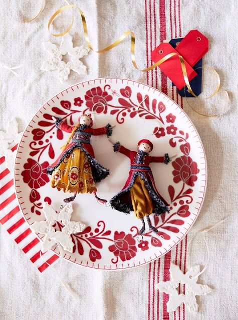 362 best clothespin dolls images on pinterest christmas for Country christmas craft show