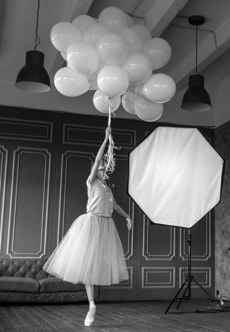 Готовимся к новому сезону, вспоминаем, что было в предыдущем!🎈 Бекстейдж нашей съёмки c Алисой Аслановой ❤  Модель - Аделя Назырова  🌸 Спасибо за фото Карине Житковой😻 ! Preparing for the new season, remember what happened in the previous! Backstage of our shooting with Alisa Aslanova Model - Adelya Nazyrova Thank you for the photo, Karina Zhitkova! #balletmaniacs #balletwear #balletphoto #pointeshoes #tulleskirt #dancewear #russianballet #ballerinas #balletbeautifulgirls #fashion…