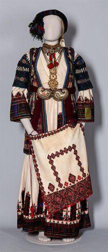 Γιορτινή φορεσιά με «σιγκούνι». Περαχώρα Κορινθίας, 19ος αι.