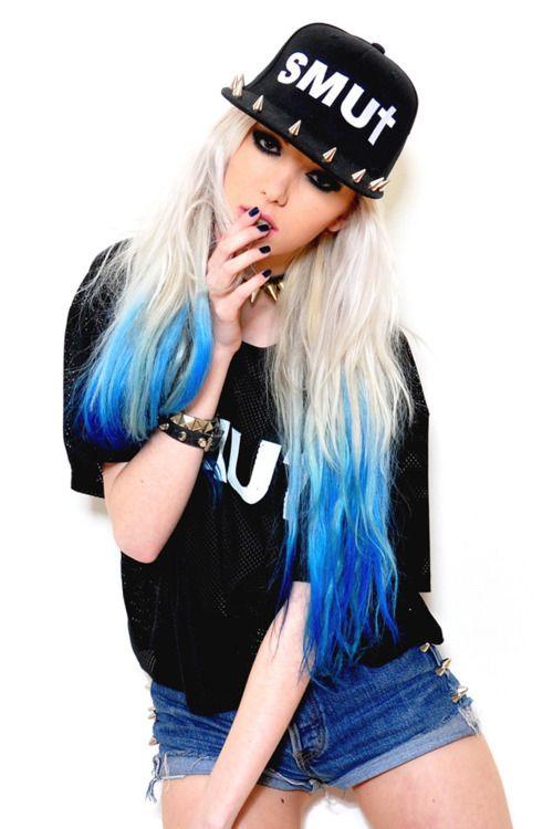 Blue tips on blonde hair x