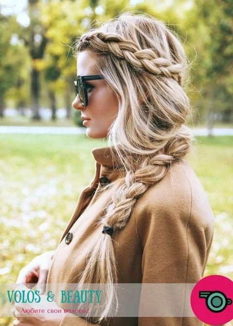 Заплетая косы, используйте мусс для укладки волос — даже такая простая причёска будет выглядеть намного красивее и сохранится на долгое время!  ☝Совет