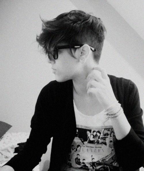 short shaved stretched glasses black & white