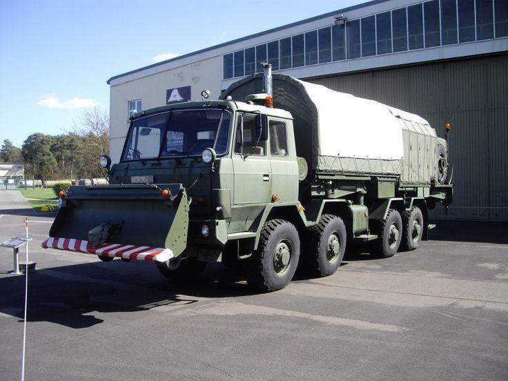 tatra ddr   Tatra 815 8x8 als Antennenträgerfahrzeug eines Radar ...
