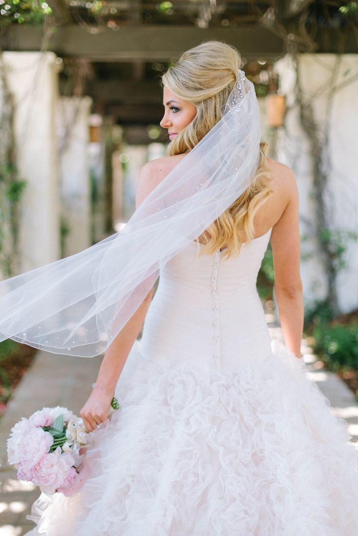 99 best Bridal Hairstyles images on Pinterest | Veils, Wedding veils ...