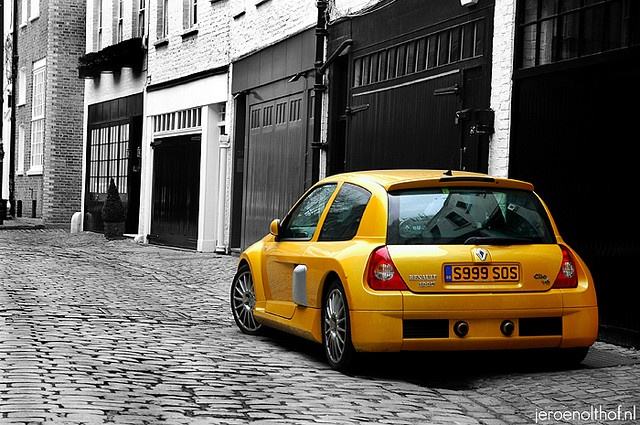 Renault Clio V6 One of those 'have to drive before i die cars'