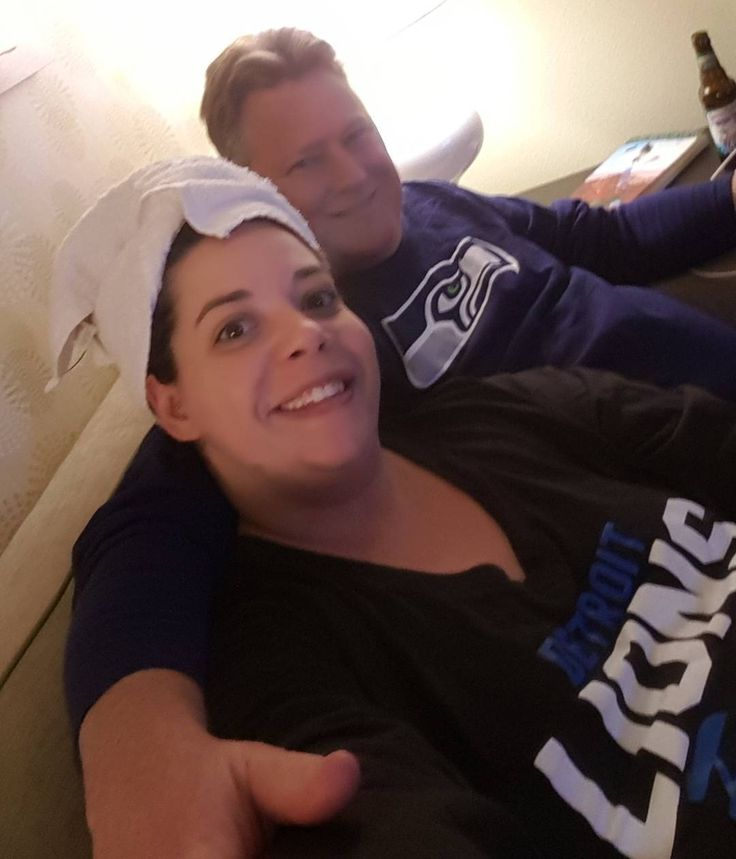 So all week I was thinking the game was Sunday. Nope! And nobody bothered to correct me! Hahaha  Tonight it's a hotel room divided. #seahawks #lions #onepride #detroit #wildcard  No comments about my hair. I just worked out so I figured my hubs would rather me not smell like a sweaty beast from now til midnight.