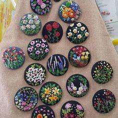 plein de boutons fleuris