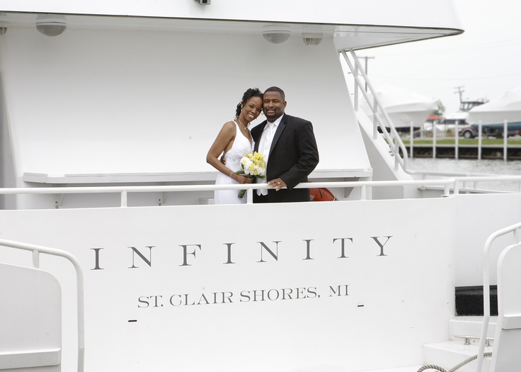 Gorgeous And Unique Yacht Wedding In Detroit Michigan