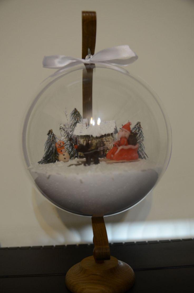 A to kolejna propozycja bombki 3D z dodatkowymi elementami z modeliny. Dzięki uprzejmości mojego męża-fotografa poniżej możecie zobaczyć ją w szczegółach &…