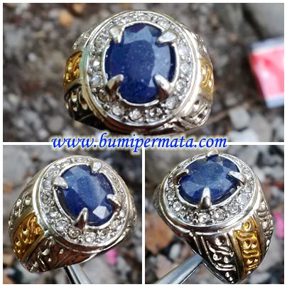 CM172 Batu Permata Blue Safir Asli Nama Batu Permata : Natural Blue Sapphire Corundum Dimensi Batu Permata : est 9,14 x 7,25 x 2,30 mm Berat Total Keseluru