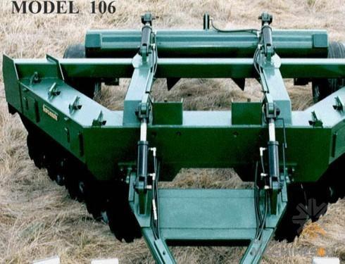 Savannah 106 Magnum 10-disk Bedding Plow - http://www.machines4u.com.au/browse/Farm-Machinery/Planting-Seeding-Tillage-194/