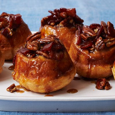 This maple sticky buns are topped with #bacon for a decadent and simple morning treat! #recipes