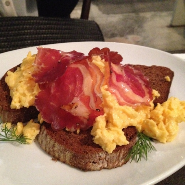 The Commercial Bakery - Scrambled eggs with bacon on rye bread