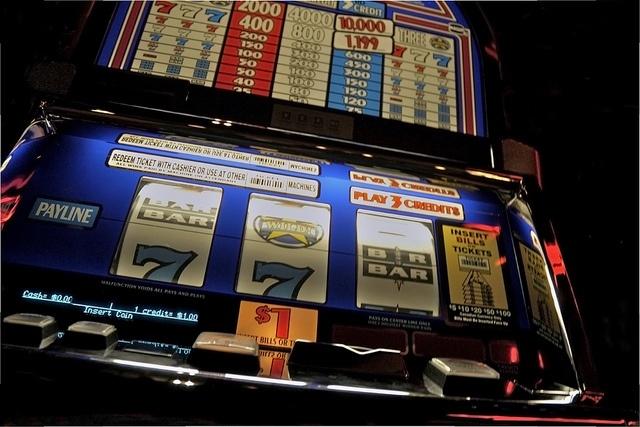 Old Fashioned Slot Machine