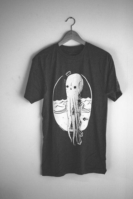 Monster Aesthetics - black squid tee