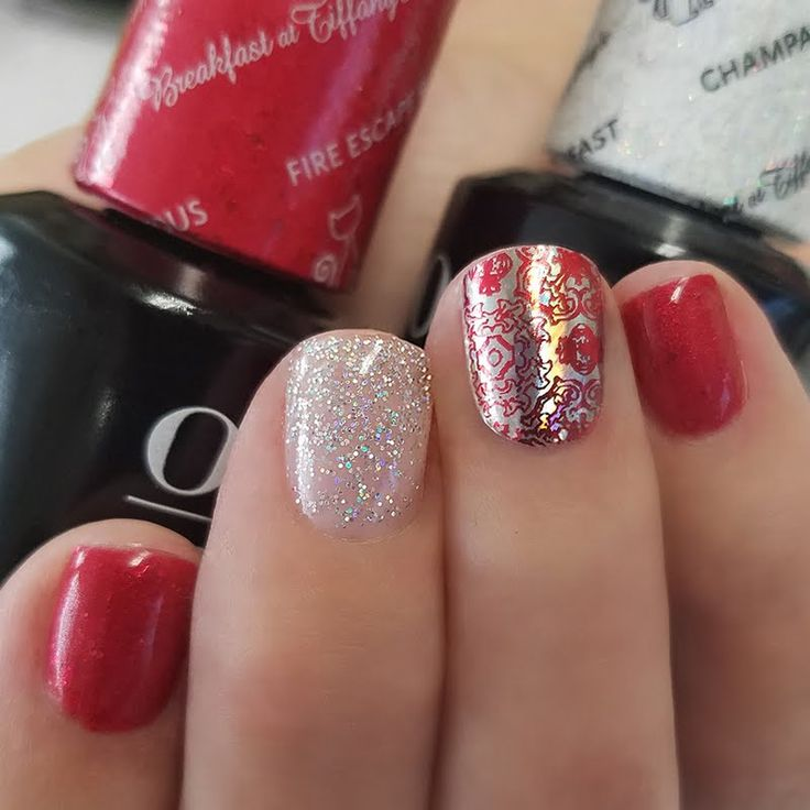 Preen.Me VIP Melissa P makes her nails dazzle using her gifted #OPI Breakfast at Tiffany's GelColor in Fire Escape Rendezvous. Click through and channel your inner Audrey with this salon-exclusive shade.