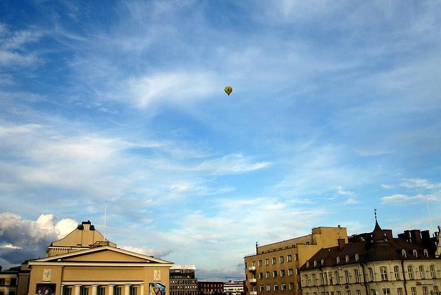#Hot air balloon     http://tracksandloops.weebly.com/