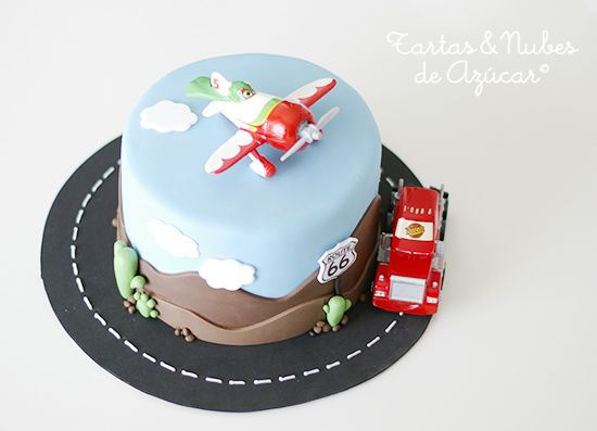tartas y nubes de azúcar: Tarta Aviones y Cars, las películas de Disney