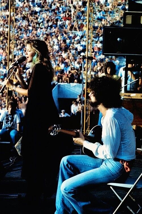 Stevie Nicks and Lindsey Buckingham of Fleetwood Mac