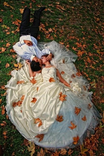 This is beautiful!!!! I hope I can do a similar photo shoot on my big day! <3