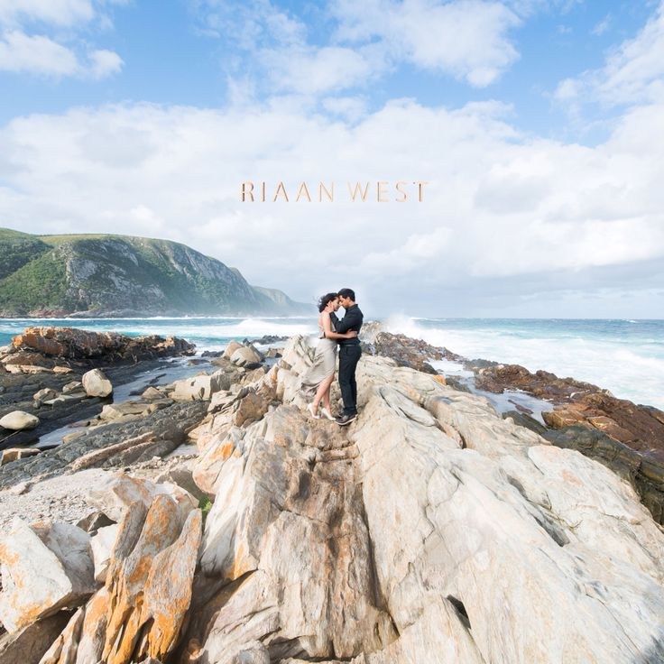 I just love the lines in the rocks leading up to the #Couple in the middle #engagement #riaanwest #couplesinlove #weddingphotographerscapetown #stormsriver #stormsriverengagement