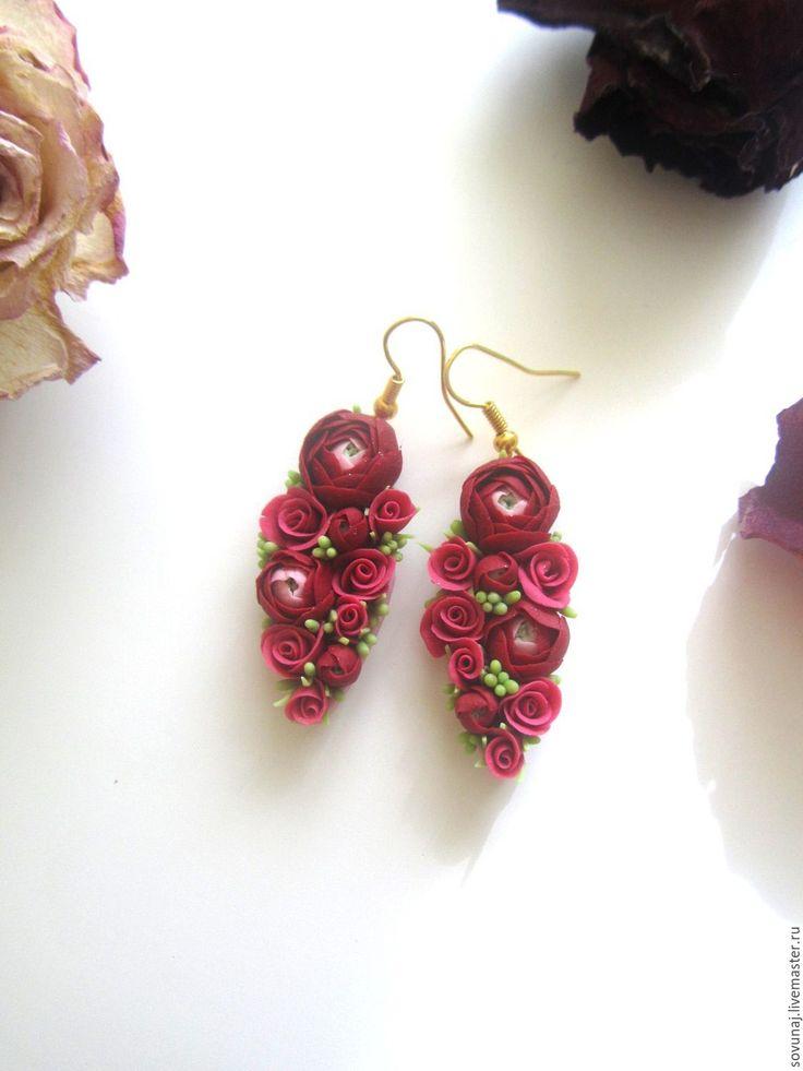 Купить Цветочные серьги с ранункулюсами - бордовый, цветочные серьги, цветочное украшение, серьги с розами, ранункулюс